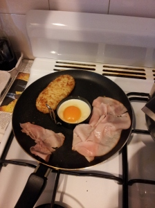 Cooking up a quick brunch after my morning run. I love a good hashbrown! yum :)