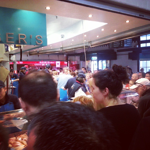 Shopping at Melbourne's Queen Victoria Market during Christmas Eve - Patience level over 9000